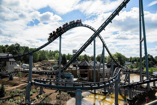 Nie masz planów na długi weekend? Parki rozrywki, które warto odwiedzić wiosną. Jest tam najwyższy na świecie wodny roller coaster