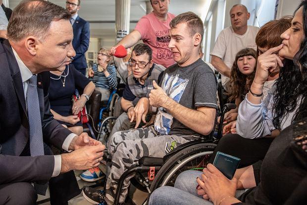 """""""Opiekunowie na emeryturach i rentach"""" piszą do prezydenta Andrzeja Dudy"""