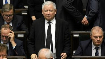 Jarosław Kaczyński pokazał jedno - zrobi co tylko zechce