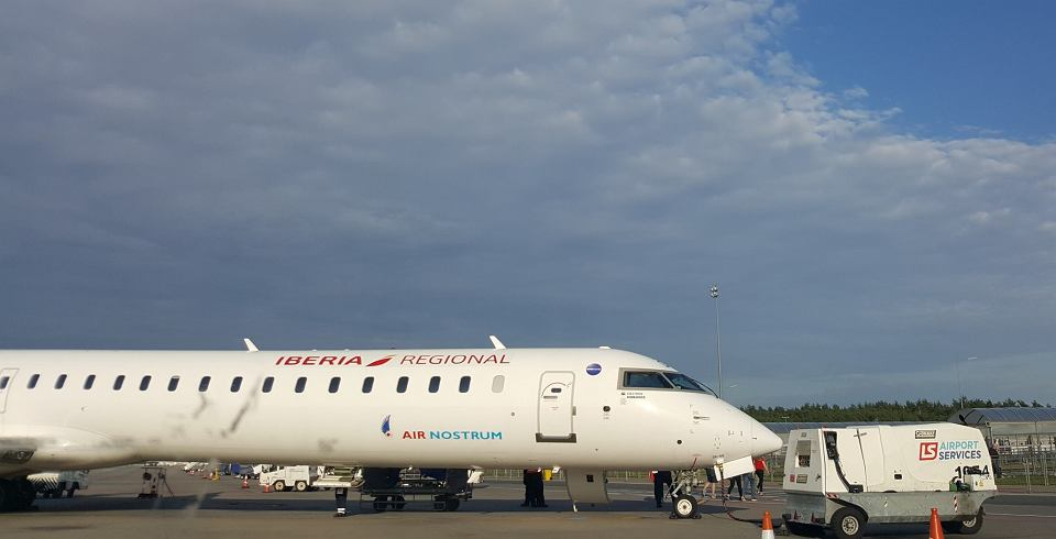 Samolot Air Nostrum w Modlinie