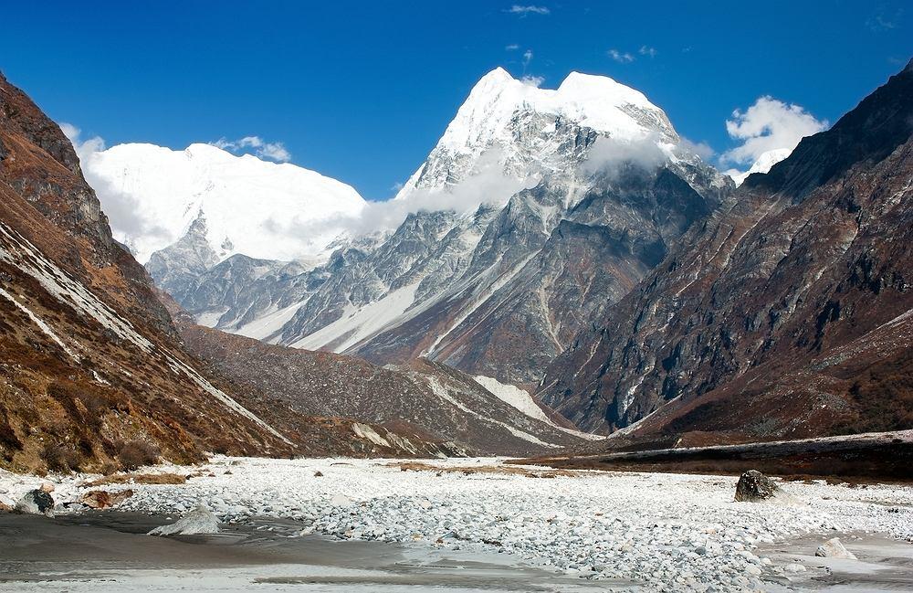 Nepal - Park Narodowy Langtang. Pierwszy park narodowy na terenie Himalajów, znajduje się tylko 30 kilometrów od Katmandu.
