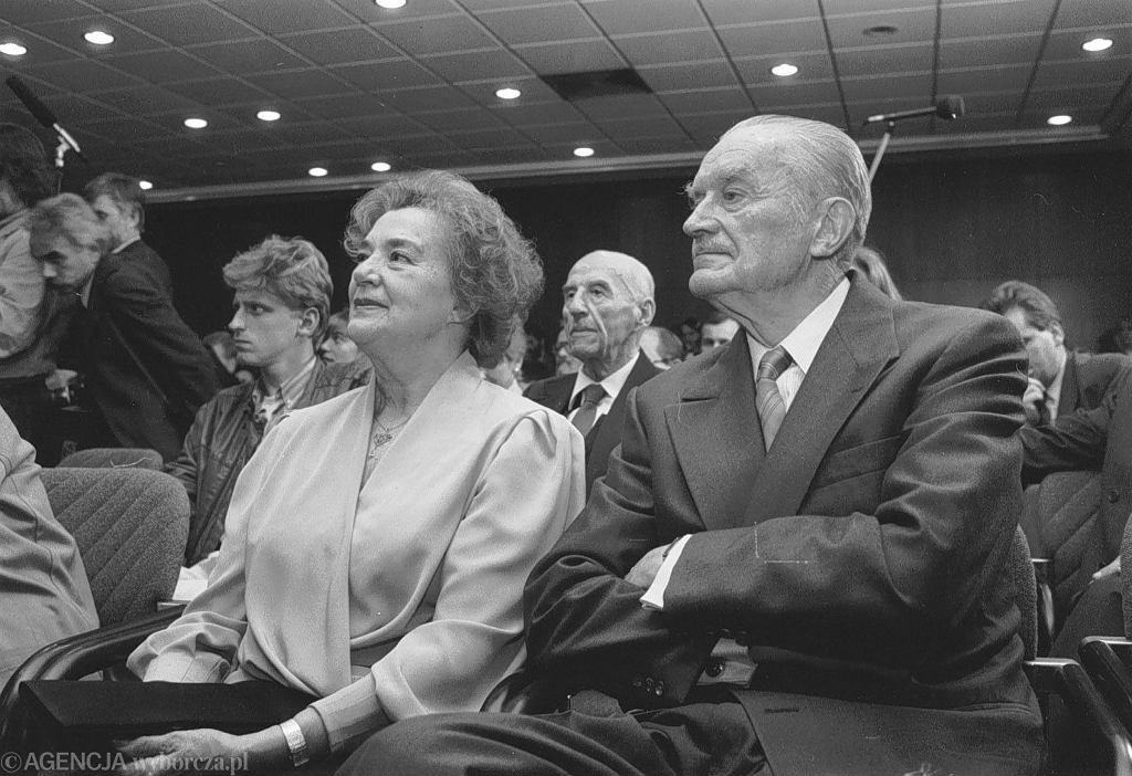 Piotr Jaroszewicz z żoną na premierze książki Edwarda Gierka.