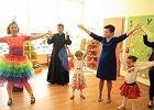 Hojne prezenty dla rodziców przedszkolaków. Efekt wyborów? [KOMENTARZ]