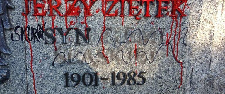 Podczas wiecu w Katowicach zniszczono pomnik. Kandydat na prezydenta sam się tym pochwalił