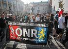 Sonda�: Ponad po�owa Polak�w dostrzega nasilenie postaw nacjonalistycznych