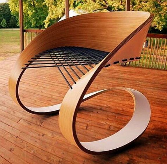 Krzesła są niezbędnym elementem wyposażenia każdego domu - spraw, by spełniały one nie tylko warunki praktyczno - użytkowe, lecz także dekoracyjne