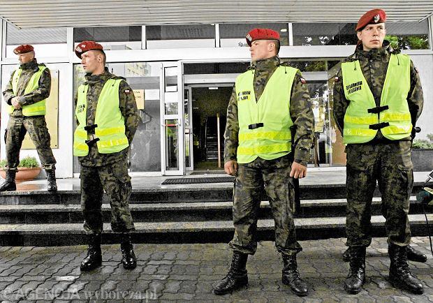Specjalne zarządzenie Szydło ws. wspólnych patroli Żandarmerii Wojskowej i policji. Data zakończenia? Nieprzypadkowa