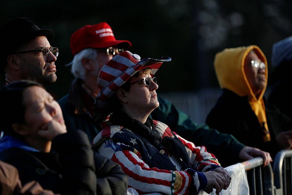 Sympatycy Donalda Trumpa na koncercie inauguracyjnym w Waszyngtonie (fot. Shannon Stapleton/Reuters)