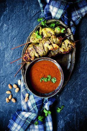 Szaszłyki zpolędwiczki wieprzowej isos satay zczerwoną pastą curry