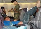 Odra�aj�ce zachowania pasa�erów w samolocie. Hit Instagrama