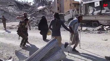 Syryjscy cywile uciekają z terenów okupowanych przez Państwo Islamskie