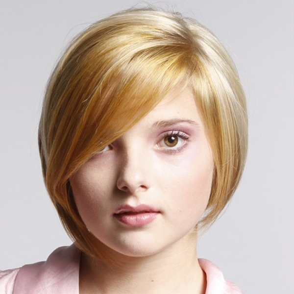 Wyszczuplaj�ce fryzury dla  okr�g�ej twarzy