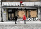 Dzi� w Polsce ulica idzie za mod�