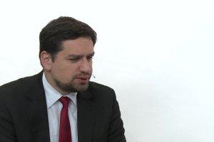 """Temat dnia """"Gazety Wyborczej"""": Czy polsk� ustaw� o inwigilacji czeka taki sam los jak w�giersk�? Opinia Miros�awa Wr�blewskiego"""