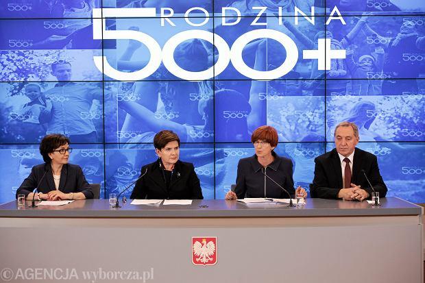 Konferencja premier Beaty Szyd�o, 01.12.2015 Warszawa