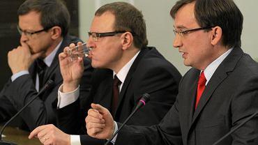Posiedzenie Rady Głównej Solidarnej Polski 26 stycznia w Warszawie. Od lewej: Tadeusz Cymański, Jacek Kurski i Zbigniew Ziorbo