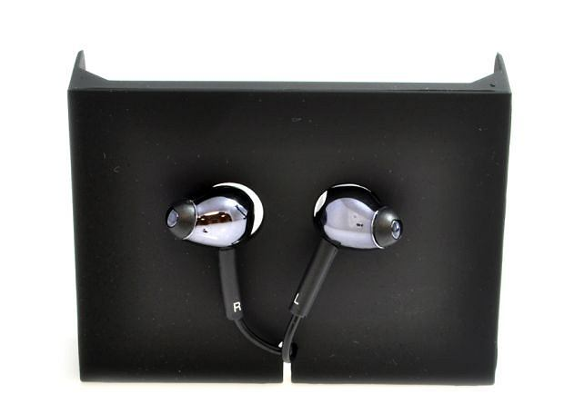 Zdjęcie numer 2 w galerii - Maleńkie słuchawki za ponad 1000 zł