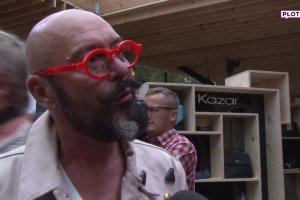 Minge: Polscy m�czy�ni powinni bra� przyk�ad z gej�w. Oburzony Jacyk�w komentuje. Odpowiedzia�a mu