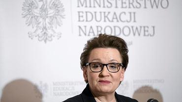 Minister edukacji w rządzie PiS Anna Zalewska podczas konferencji 'Coraz blizej dobrej szkoły'. Warszawa, MEN, 2 lutego 2017