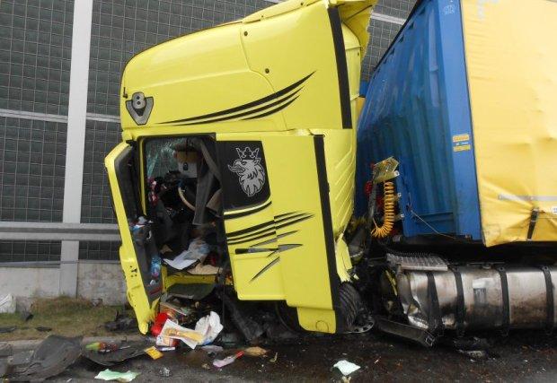 Kierowca tira po czo�owym zderzeniu na autostradzie: Nie mog�em nic zrobi�