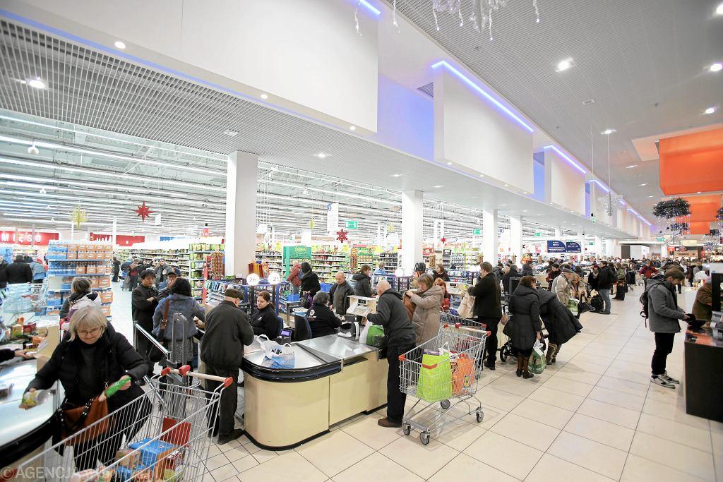 Hipermarket w Warszawie.