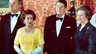 1984. W Pałacu Buckingham z królową Elżbietą II, prezydentem Ronaldem Reaganem i premier Margaret Thatcher