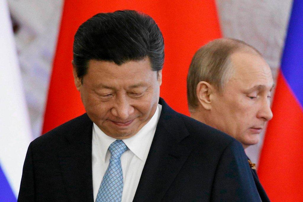 http://bi.gazeta.pl/im/c9/0e/11/z17886409IH,Wladimir-Putin-goscil-w-Moskwie-Xi-Jinpinga--prezy.jpg