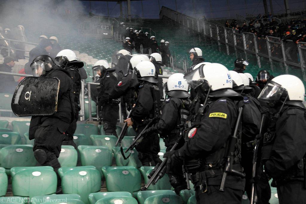 Śląsk - Arka 0:2. Interwencja policji