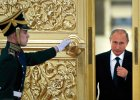 W �elaznym u�cisku Kremla