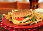 Savoir vivre: jak jeść burgera w restauracji