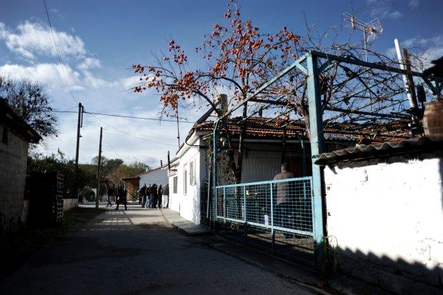 Sklep w Idomeni, w którym uchodźcy i imigranci zaopatrują się głównie w papierosy i podstawowe produkty żywnościowe