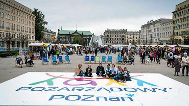 Piknik organizacji pozarządowych na Placu Wolności. Poznań, 16 września 2017
