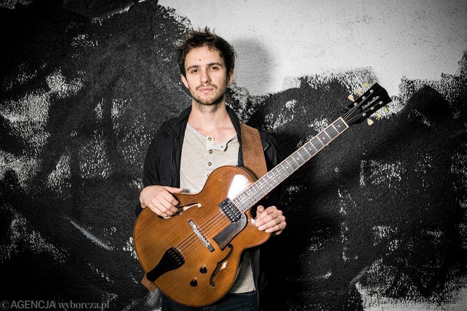 Gitarzysta Szymon Mika: Jazz by� moim naturalnym wyborem