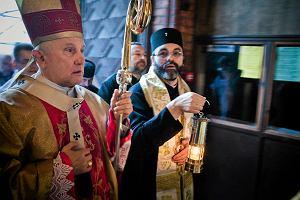 �wi�ty ogie� z Jerozolimy przed far� - pi�kny dar prawos�awnych dla katolik�w
