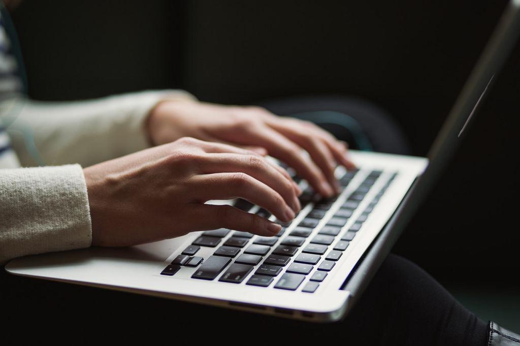 Sprzedaż komputerów osobistych wzrosła pierwszy raz od sześciu lat