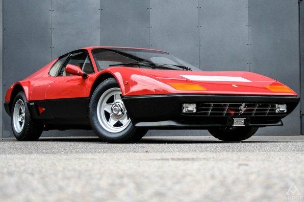 Pierwsza aukcja aut klasycznych w Polsce | Ferrari sprzedane za ponad milion zł