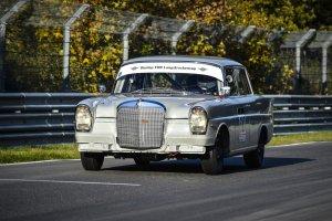 Mercedesem 220 SE w Westphalen Trophy | Zielone piekło sprzed lat