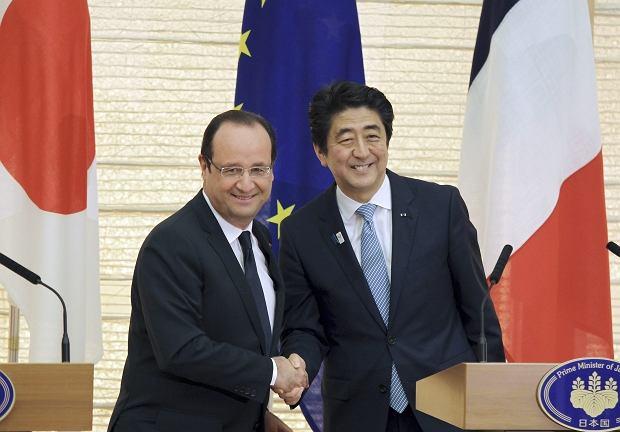 Prezydent Francji Francois Hollande na spotkaniu z premierem Japonii Shinzo Abe