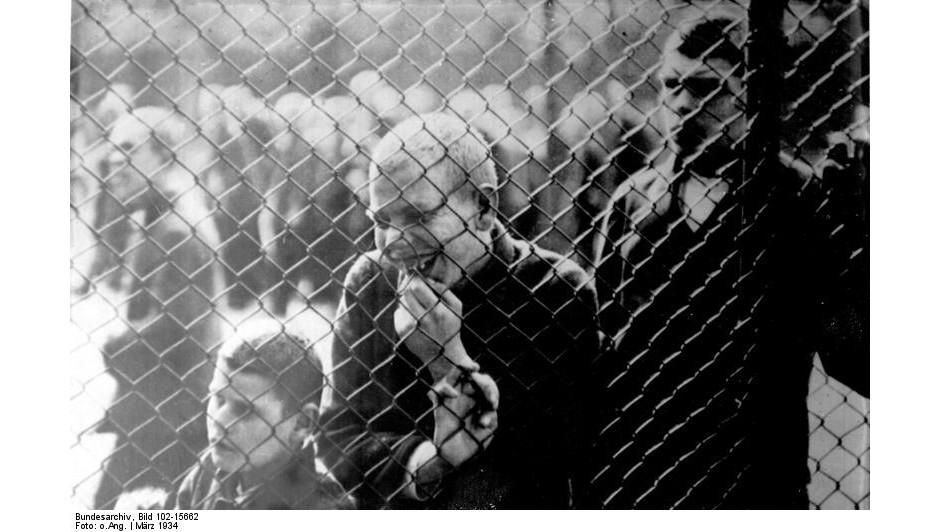 Chorzy w klinice psychiatrycznej, Niemcy, marzec 1934 rok (fot. Bundesarchiv, Bild 102-15662 / Wikimedia Commons / CC-BY-SA 3.0)
