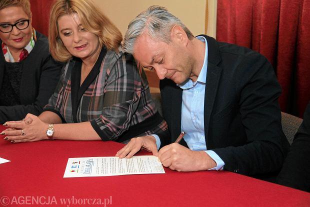 """Biedroń w Świdnicy: Stworzyliśmy """"latający uniwersytet samorządowy"""""""