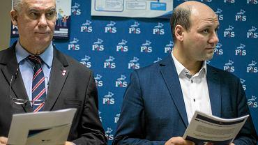 Posłowie PiS Tadeusz Dziuba (z lewej)i Szymon Szynkowski vel Sęk