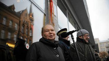 Julia Hartwig podczas odsłonięcia tablicy poświęconej Arturowi Międzyrzeckiemu