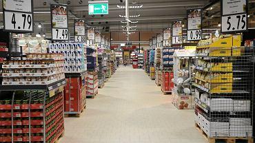 Ostatnie przygotowania do otwarcia marketu Kaufland