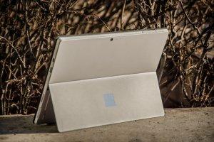 Surface Pro 4 to najlepsza hybryda na rynku. Gdyby nie kilka wad, byłby idealny