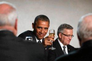 Obamie smakowa�o? Wiemy, co podano na st� podczas uroczystej kolacji