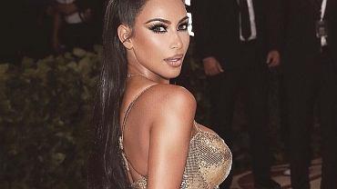 Nienaturalna talia Kim Kardashian