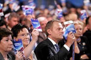 Po zjazdach PiS i PO. Pi�� podobie�stw i r�nic mi�dzy ameryka�skimi a polskimi konwencjami wyborczymi