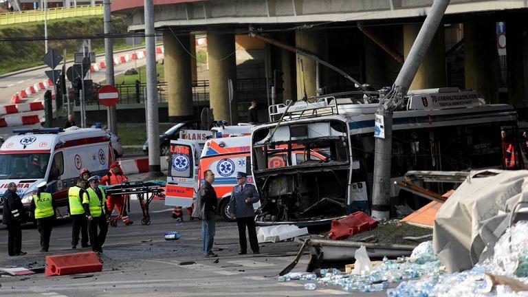Wypadek ciężarówki i trolejbusu w Gdyni
