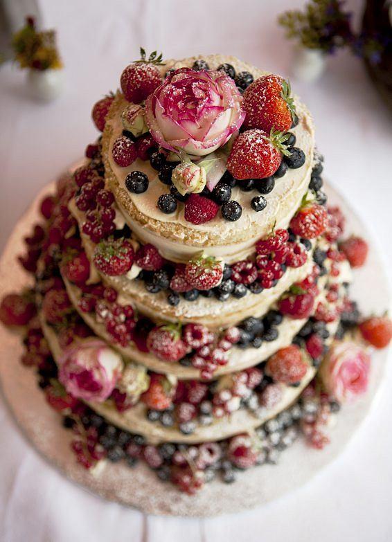 Trendy w tortach ślubnych. Jakie słodkości wybrać w 2017 roku