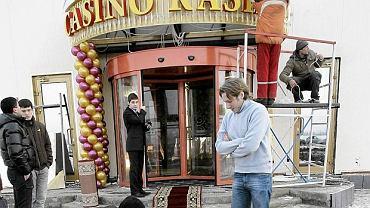Przygotowania do otwarcia lokalnego kasyna w Azow City, 3o stycznia 2010 roku